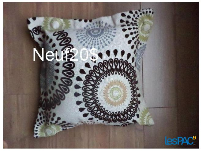 Coussin neuf
